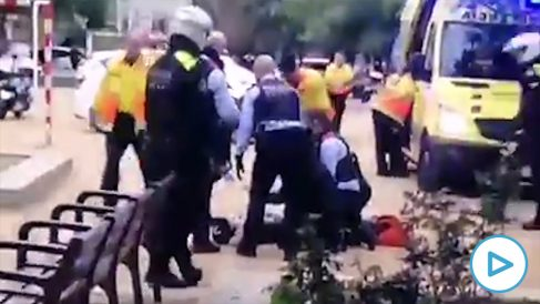 apuñalamiento-barcelona-play