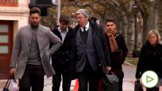 Jugadores del Arandina con su abogado.