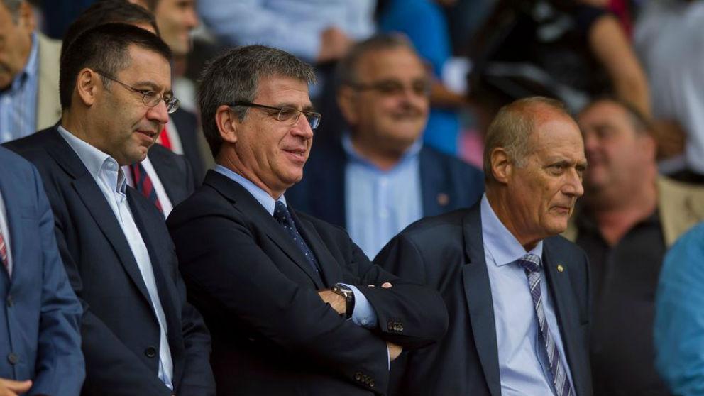 Jordi Mestre y Bartomeu, en el palco del Camp Nou. (Imagen: FCBarcelona.com)