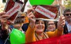 Vox reparte chorizo en la concentración para pedir que el PSOE «devuelva» el dinero de los ERE