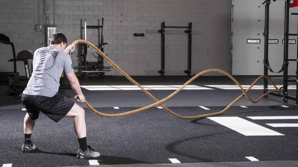El battle ropes es perfecto para tonificar brazos