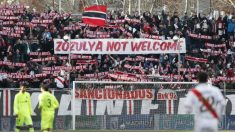 Pancarta contra Zozulya en Vallecas.
