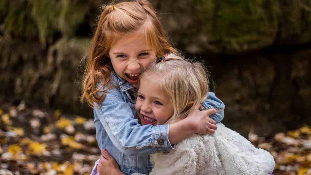 Tips básicos para educar a tus hijos en la felicidad