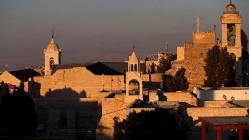 Una imagen de la Iglesia de la Natividad de Belén, donde según la tradición histórica estaba el portal de Belén donde nació Jesucristo. Foto: AFP