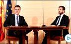 Sánchez y Casado se saludan con rostros serios y zanjan su reunión en apenas 40 minutos