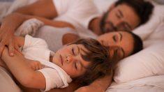 Acostar temprano a los niños hace más feliz a los padres