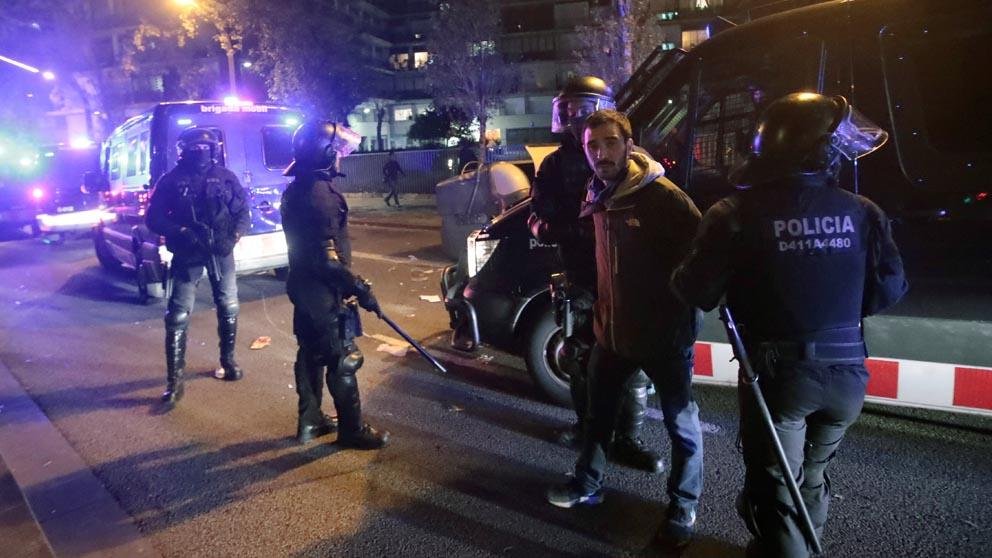 Despliegue de los Mossos en Barcelona (Foto: EFE)