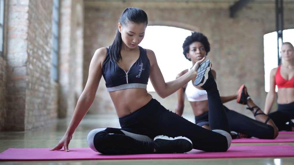 El yoga es excelente para aprender a relajarte