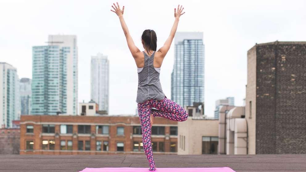 El yoga tiene muchos beneficios para la salud mental y corporal