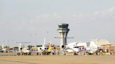 Base aérea de Torrejón de Ardoz cuando compartía la pista con vuelos civiles.