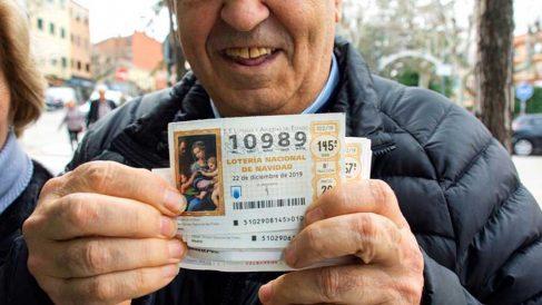 Un décimo premiado en la Lotería de Navidad. Foto: EFE.