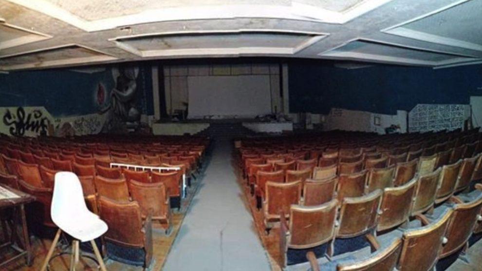 Antigua sala de cine que hoy es el Centro Okupa La Traba.