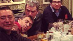 Juan Carlos Monedero junto al director de Neurona, César Hernández Paredes (i.) y el ex jefe de Gabinete de Pablo Iglesias.