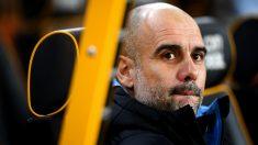 Pep Guardiola en el banquillo durante el Wolverhampton – Manchester City. (Getty)