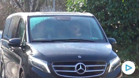 Imagen del vehículo en el que se ha trasladado Iñaki Urdangarín a Ávila para volver a la cárcel de Brieva.
