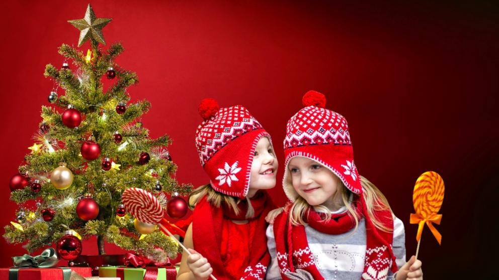 Los niños disfrutan de la Nochevieja de una forma muy especial