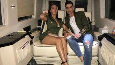 Cristiano Ronaldo junto a su esposa.