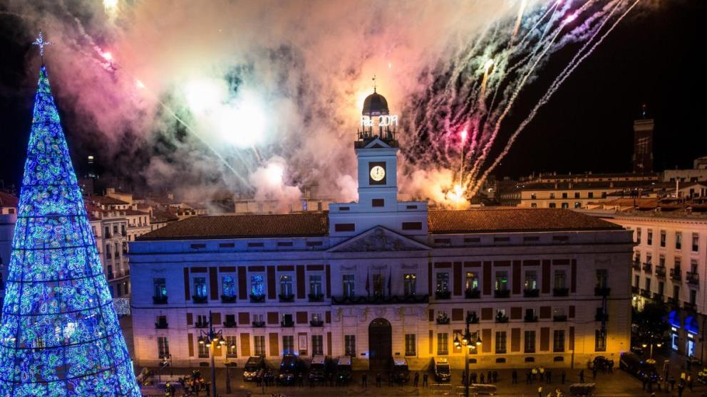 La Puerta del Sol es uno de los lugares más emblemáticos en Nochevieja