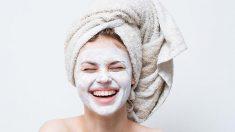 La piel grasa se puede tratar fácilmente con remedios caseros