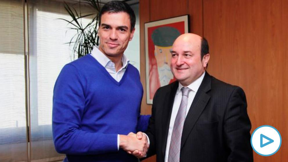 Pedro Sánchez con Andoni Ortuzar (Foto. PSOE)