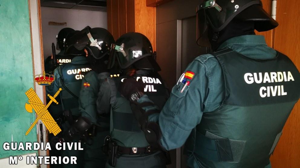 Guardia Civil en una operación antidroga en Vícar (Almería). Foto: EP