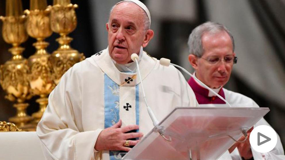 Francisco durante la ceremonia celebrada esta mañana. (Afp)