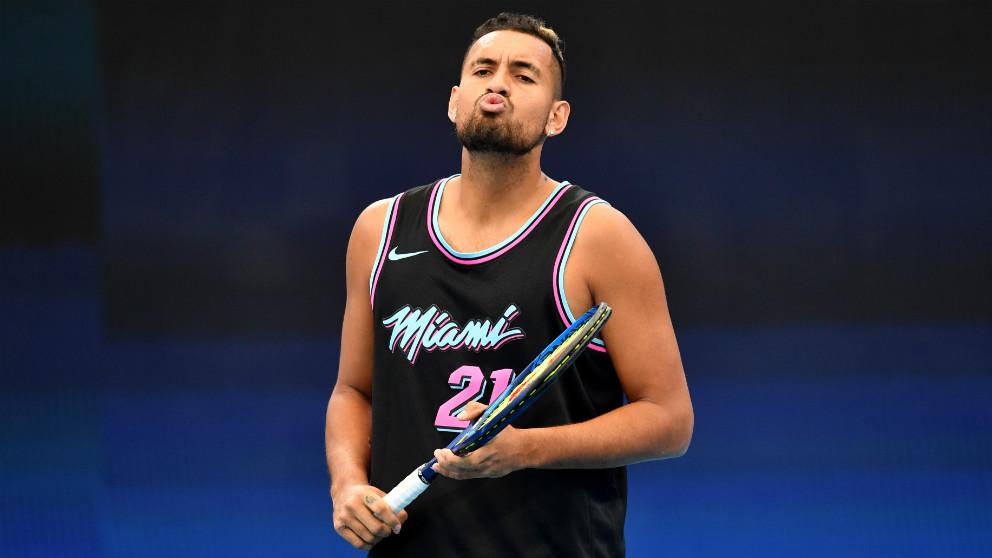 Kyrgios durante un entrenamiento en Brisbane, donde se juega la ATP Cup. (Europa Press)