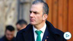El secretario general de Vox, Javier Ortega Smith (i), acude a las celebraciones del 'Día de la Toma de Granada' en Granada, a 02 de enero de 2020. (Foto: Europa Press)