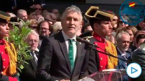 Marlaska prometiendo en octubre que la Guardia Civil seguiría en Navarra.