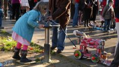 El Arrastre de Latas es una singular tradición de Algeciras en la víspera de Reyes