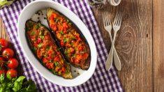 Berenjenas rellenas de verduras con mayonesa