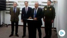 La Fiscalía de Bolivia presentando la citación.