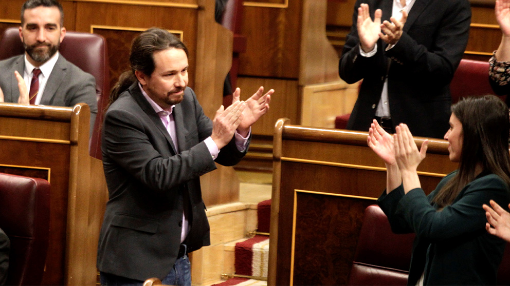 Pablo Iglesias, en la sesión de investidura. (Foto: Francisco Toledo)
