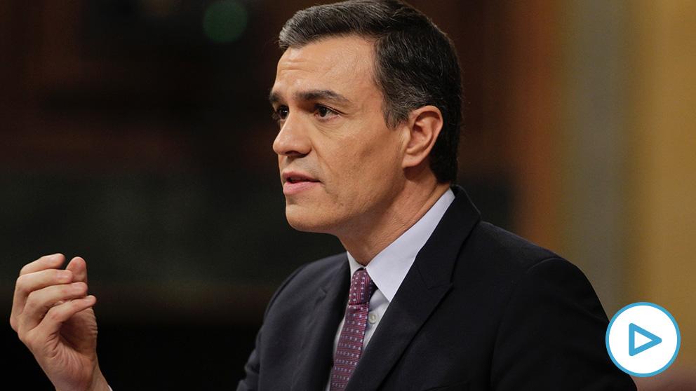 Sánchez protagoniza un momento ridículo en el Congreso.
