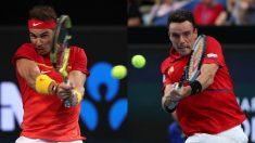 Rafael Nadal y Roberto Bautista, en acción en la ATP Cup. (Getty)