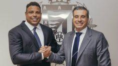 Ronaldo Nazario y Miguel Ángel Gómez. (Real Valladolid)