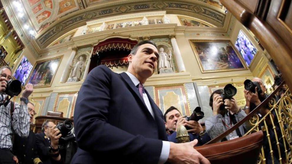 Pedro Sánchez entrando al Congreso.