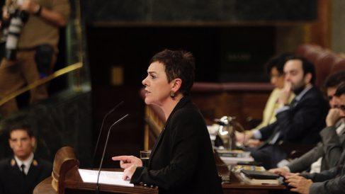La portavoz de EH Bildu en el Congreso, Mertxe Aizpurua, interviene durante la segunda jornada del debate de investidura. (Foto: Francisco Toledo).