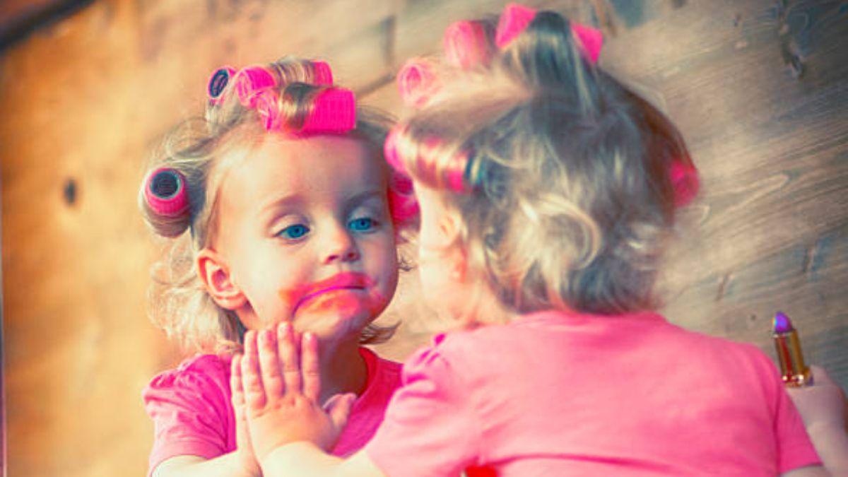 Qué riesgo tiene el uso de maquillaje en los niños