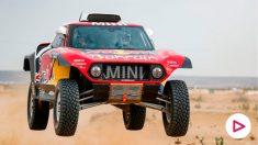 Carlos Sainz durante la segunda etapa del Dakar. (AFP)