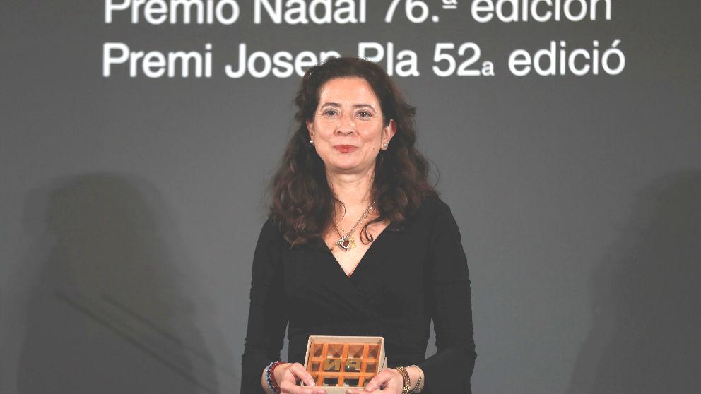Ana Merino con el premio (Foto: EFE).