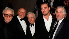 El reparto de 'El Irlandés', la cina con la que Martin Scorsese compite en todos los premios de esta temporada gracias a Netflix, en los Globos de Oro 2020. Foto: AFP