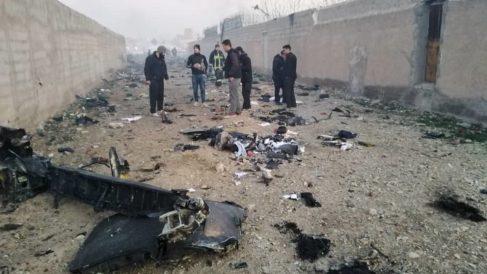 Restos del avión accidentado en Irán. Foto: EP