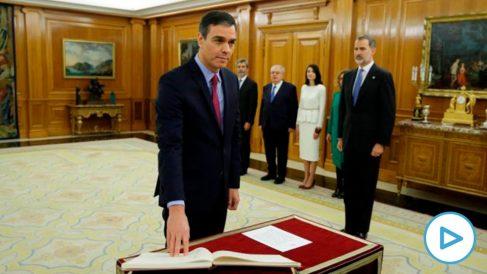Pedro Sánchez jura su cargo como presidente ante el Rey. Foto EFE