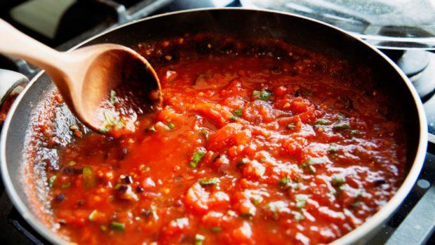 Receta de espaguetis con tomate y espinacas