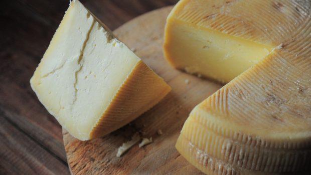 Receta de lasaña de patatas con jamón y queso