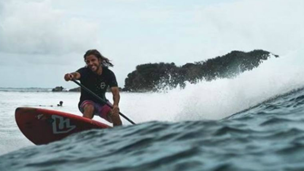 Diego Bello, el surfista español que ha muerto en Filipinas en una operación antidroga.