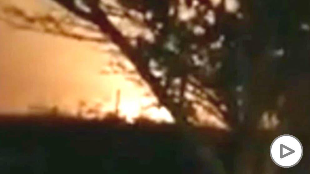 Momento en el que el avión ucraniano se estrella en Teherán.