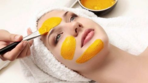 Mascarillas de cúrcuma para la salud de la piel