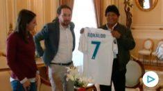 Pablo Iglesias e Irene Montero con Evo Morales.
